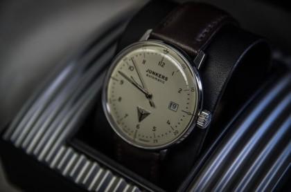 Die besten Junkers Uhren: klassisches Design Logo